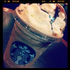 Photo taken at Starbucks (สตาร์บัคส์) by Vasmol S. on 3/16/2012