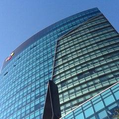 Photo taken at CJ제일제당센터 (CJ Cheiljedang Center) by Seung-taeck L. on 11/27/2012