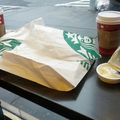 Photo taken at Starbucks by Marcelo Y. on 12/18/2012