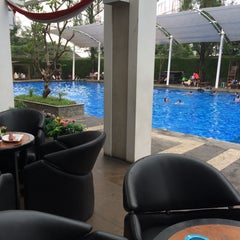 Photo taken at Siliwangi Swimming Pool by Wenda W. on 5/16/2015