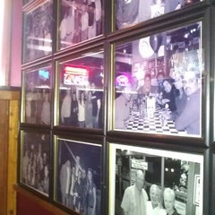 Photo taken at Nitty Gritty Restaurant & Bar by Andy R. on 11/17/2012