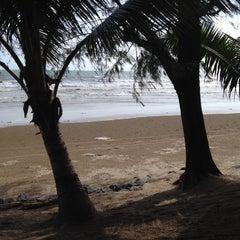 Photo taken at หาดตื้น คลื่นสวย รีสอร์ท by Moonet on 7/27/2014
