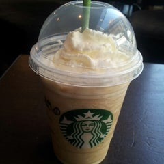 Photo taken at Starbucks by Guillermo M. L. on 3/5/2013