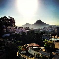 Photo taken at Alto Leblon by Luiz Eduardo G. on 7/15/2013