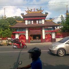 Photo taken at Kelenteng Eng An Kiong by Sudarsono on 3/27/2013
