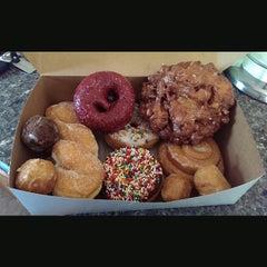 Photo taken at Gurnee Donuts by Joe M. on 7/26/2014