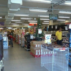 Photo taken at Lojas Americanas by Adailton R. on 11/4/2012