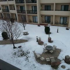 Photo taken at Courtyard Minneapolis Eden Prairie by John B. on 4/16/2013