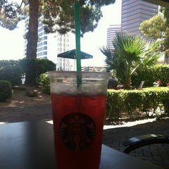 Photo taken at Starbucks by 🌼Veronica🌼 on 5/31/2013