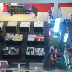 Photo taken at Solo Paragon Mall by Catur on 9/23/2012