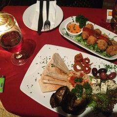 Foto tomada en Olio - Restaurante y Pub por Maria el 11/22/2012