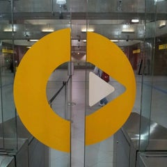 Photo taken at Estação Faria Lima (Metrô) by Richard M. on 2/1/2012