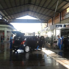 Photo taken at Carissa Car Wash by tangkas t. on 7/13/2013