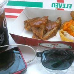 Photo taken at 7-Eleven by Kisinje A. on 9/17/2014