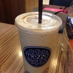 Photo taken at Mezzo (เมซโซ่) by Pornpim on 1/23/2015