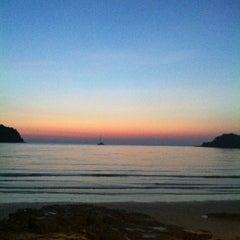 Photo taken at The Beach Resort by ศรินยา ตะโนรี on 12/27/2012