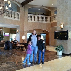 Photo taken at Crowne Plaza Anaheim Resort by Alejandro H. on 3/26/2013