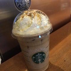 Photo taken at Starbucks (สตาร์บัคส์) by Kik K. on 11/6/2015