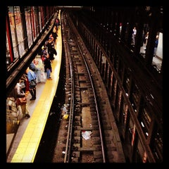 Photo taken at MTA Subway - 14th St/Union Square (L/N/Q/R/4/5/6) by Serdar on 12/5/2012