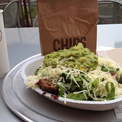 Photo taken at Chipotle Mexican Grill by Reilly on 9/29/2012