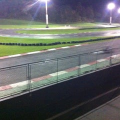 Photo taken at Kartódromo Internacional Aldeia da Serra by Caio on 10/26/2012