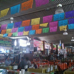 Photo taken at Mercado De Comidas San Camilito (Garibaldi) by Edd on 4/13/2013