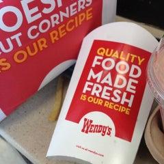 Photo taken at Wendy's by Piyawan S. on 9/21/2012