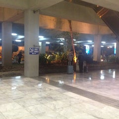 Photo taken at Philippine Airlines by Narae C. on 11/22/2012