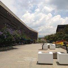 Photo taken at Plaza Mayor - Convenciones y Exposiciones by Alejandro on 4/3/2013