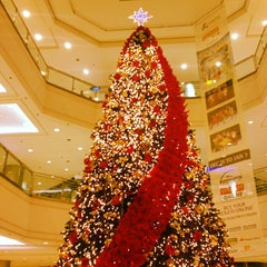 Photo taken at Gateway Mall by Justin B. on 12/10/2012