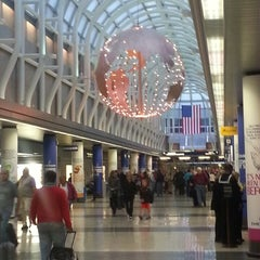 Photo taken at Chicago O'Hare International Airport (ORD) by Ron W. on 10/26/2013
