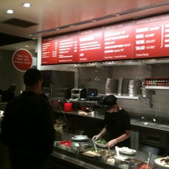 Photo taken at Chipotle Mexican Grill by Yusuf on 11/18/2012