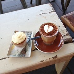 Photo taken at Grind Espresso by Kelly Hannon - Dalby on 10/29/2012