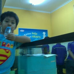 Photo taken at Martabak Bandung 999 by Shinta D. on 9/23/2012