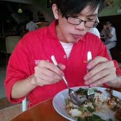 Photo taken at Restoran Lemidin by Farish A. on 11/24/2011