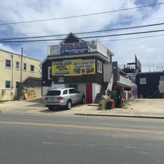 Photo taken at MTV Jersey Shore House by -M. O. on 6/4/2015