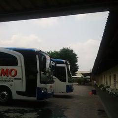 Photo taken at Rumah Makan Taman Sari by Andi M. on 11/7/2014