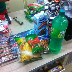 Photo taken at 7- Eleven by Paris on 1/6/2013