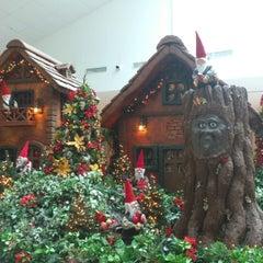 Photo taken at Shopping SP Market by Wilton C. on 12/19/2012