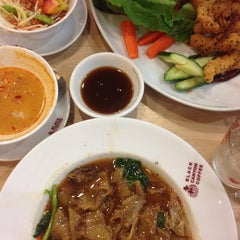 Photo taken at Black Canyon (แบล็คแคนยอน) by ℓoukρℓα♡ on 4/30/2015