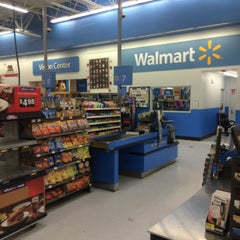 Photo taken at Walmart Supercenter by Gue on 5/21/2015