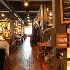 Photo taken at Cracker Barrel Old Country Store by Chris T. on 11/29/2012