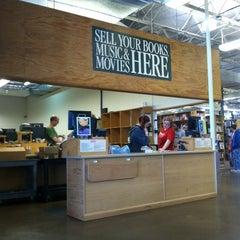 Photo taken at Half Price Books by Shantalle C. on 10/26/2012