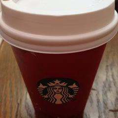 Photo taken at Starbucks by Ingie on 12/28/2013