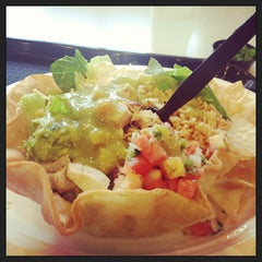 Photo taken at La Salsa Fresh Mexican Grill by Rick D. on 7/2/2013