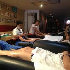 Photo taken at Sabai Thai massage by Beatrice L. on 6/20/2013