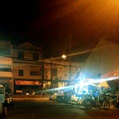 Photo taken at Pasar Kranggan by Yunan S. on 6/22/2015