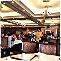 Photo taken at Sun City Seafood by Edωïи ★,☆ on 3/2/2014