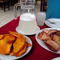 Photo taken at Restaurante Campestre El Alamo by Patricia H. on 9/10/2014