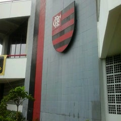 Photo taken at Clube de Regatas do Flamengo by Thifani S. on 1/11/2013